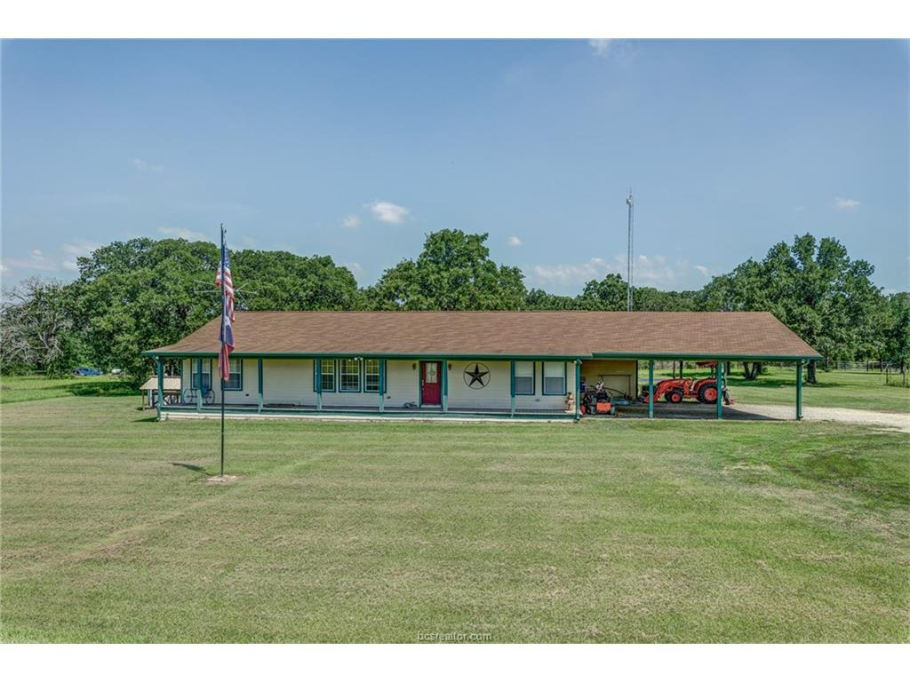 16523 Macey Road, Hearne, TX 77859