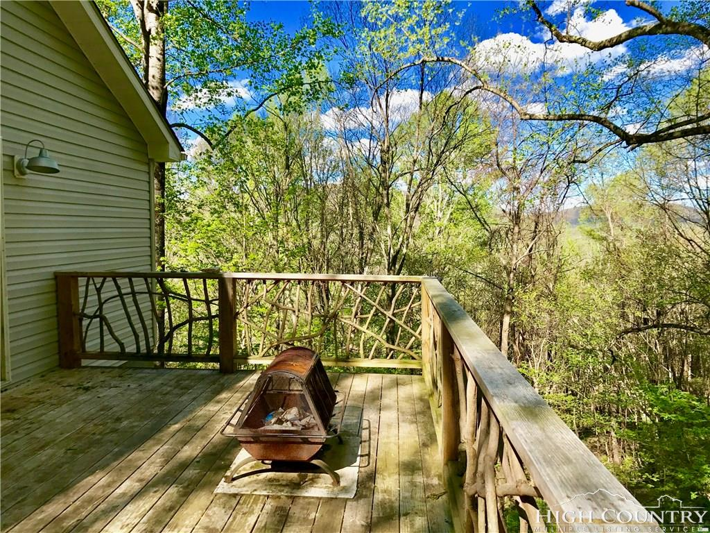 349 Green Knob Mountain Road, Boone, NC 28607