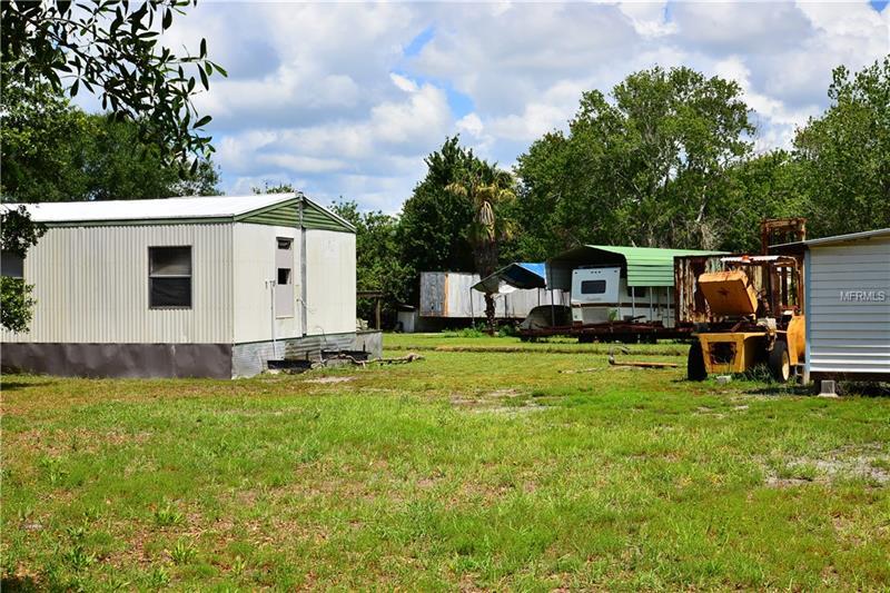 10828 BILL TUCKER ROAD, WIMAUMA, FL 33598