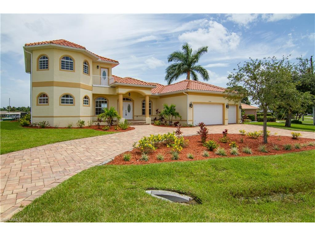 2126 Club House RD, NORTH FORT MYERS, FL 33917
