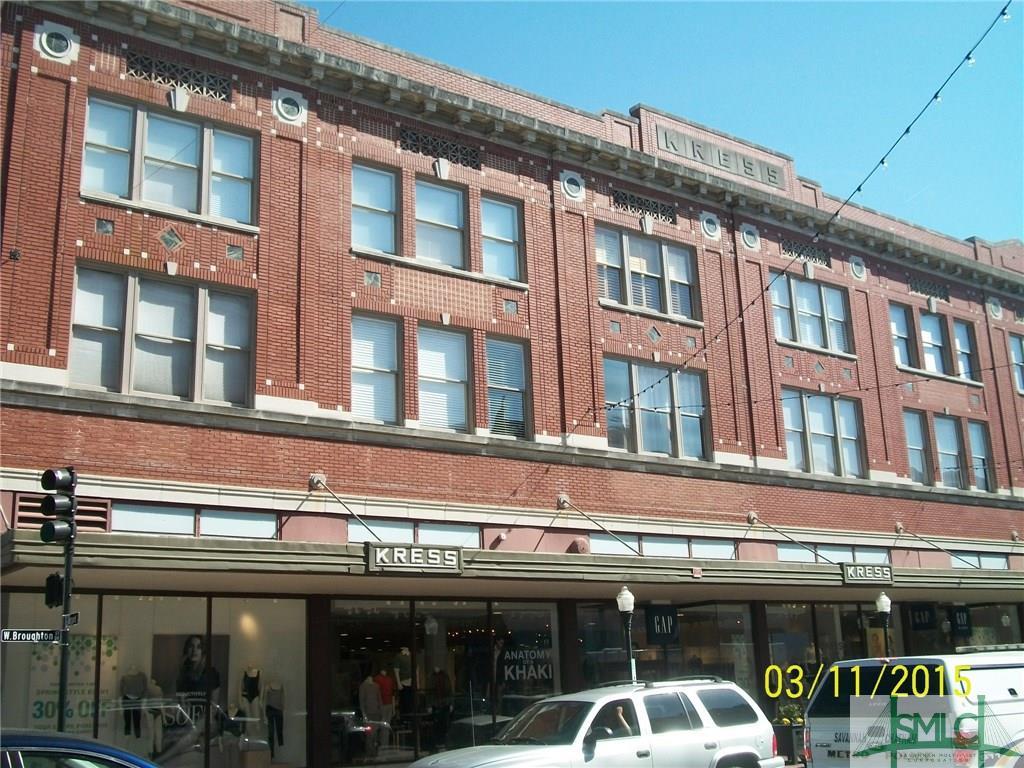122 W Broughton Street, Savannah, GA 31401