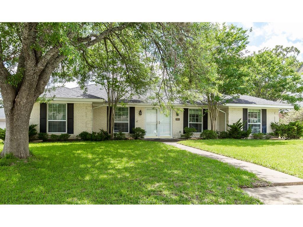 3804 Woodmere, Bryan, TX 77802
