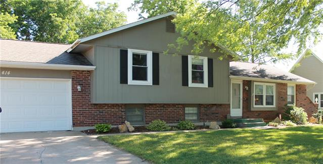 414 Linden Place, Raymore, MO 64083