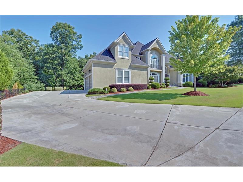 8200 SENTINAE CHASE Drive, Roswell, GA 30076