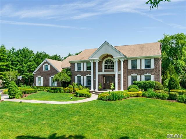 2 Windham Ct, Muttontown, NY 11545