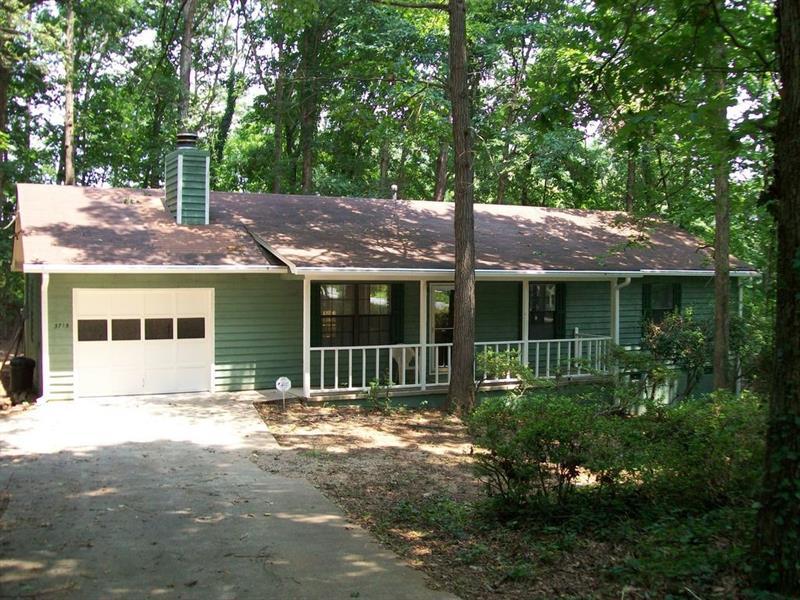 3715 Martin Farm Road, Suwanee, GA 30024