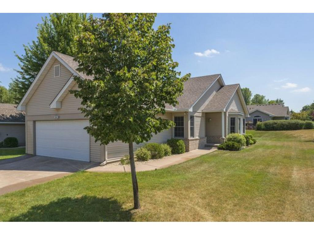 2122 Southwind Drive, Maplewood, MN 55109