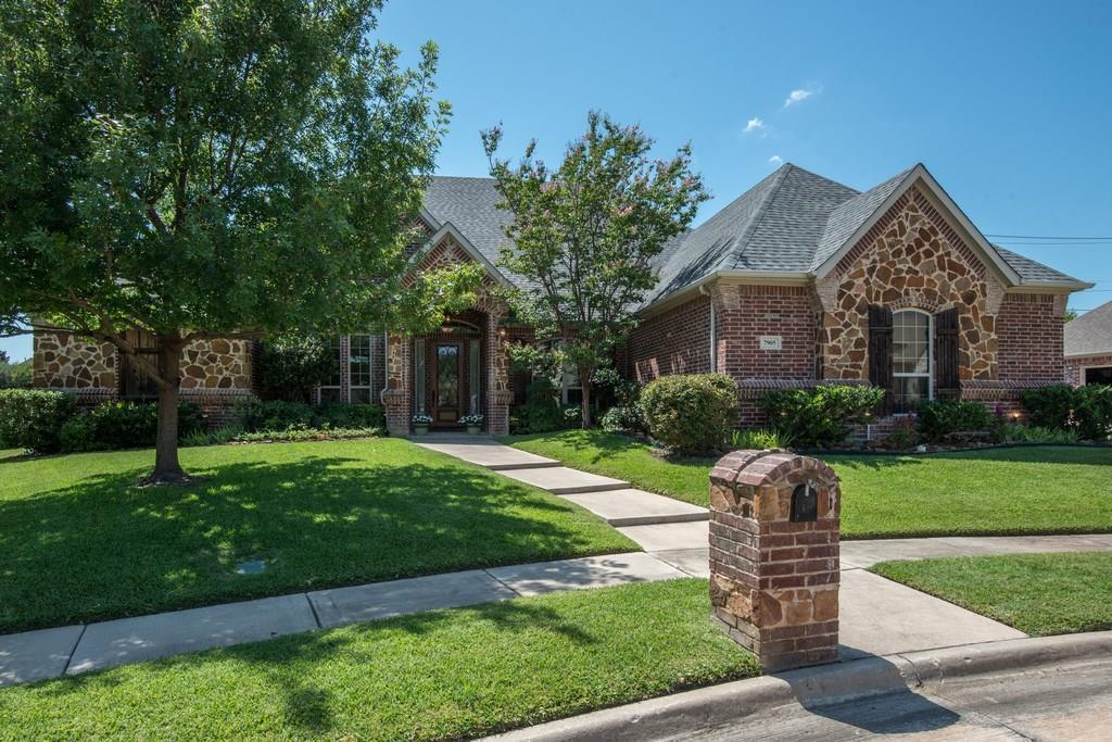 7905 Forest Ridge Court, North Richland Hills, TX 76182