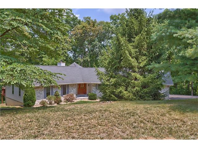 38 Hickory Hill, St Paul, MO 63366