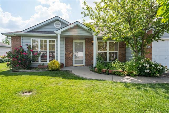 810 Cypress Court, Raymore, MO 64083