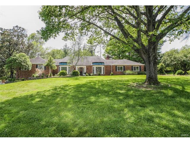 1811 Manor Hill Road, Town and Country, MO 63131
