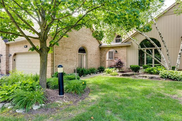 2240 CLEARWOOD Court, Shelby Twp, MI 48316