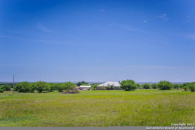 2000 Weil Rd, Marion, TX 78124