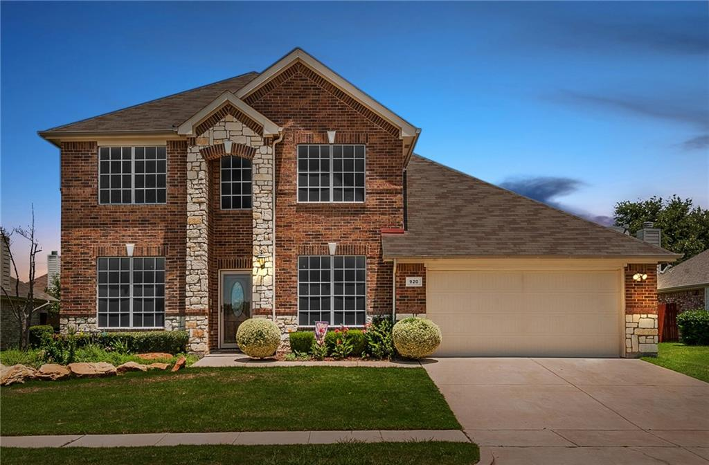 920 Fleetwood Cove Drive, Grand Prairie, TX 75052