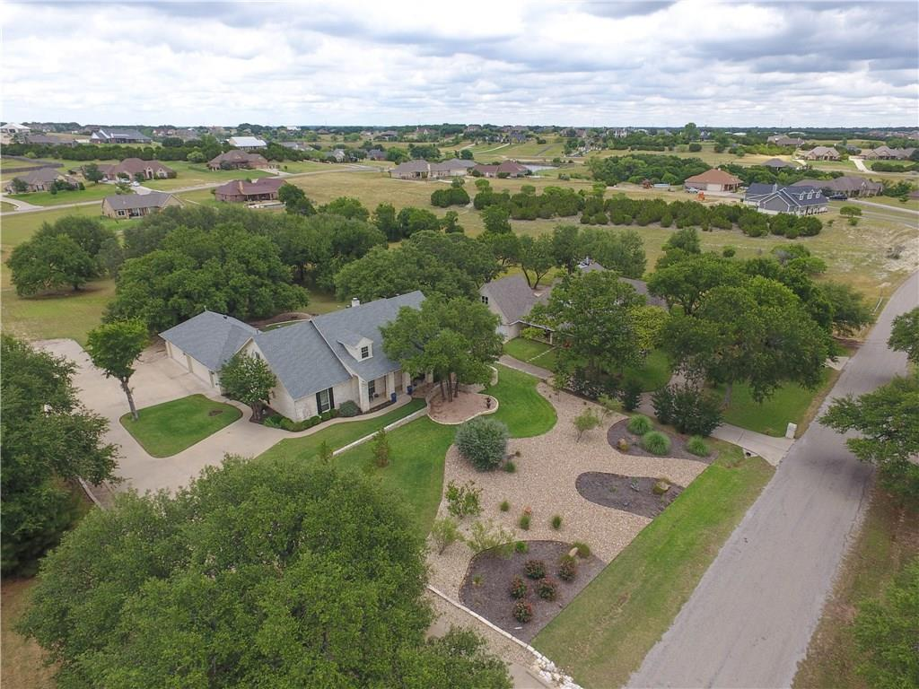 2104 Wills Way Drive, Granbury, TX 76049