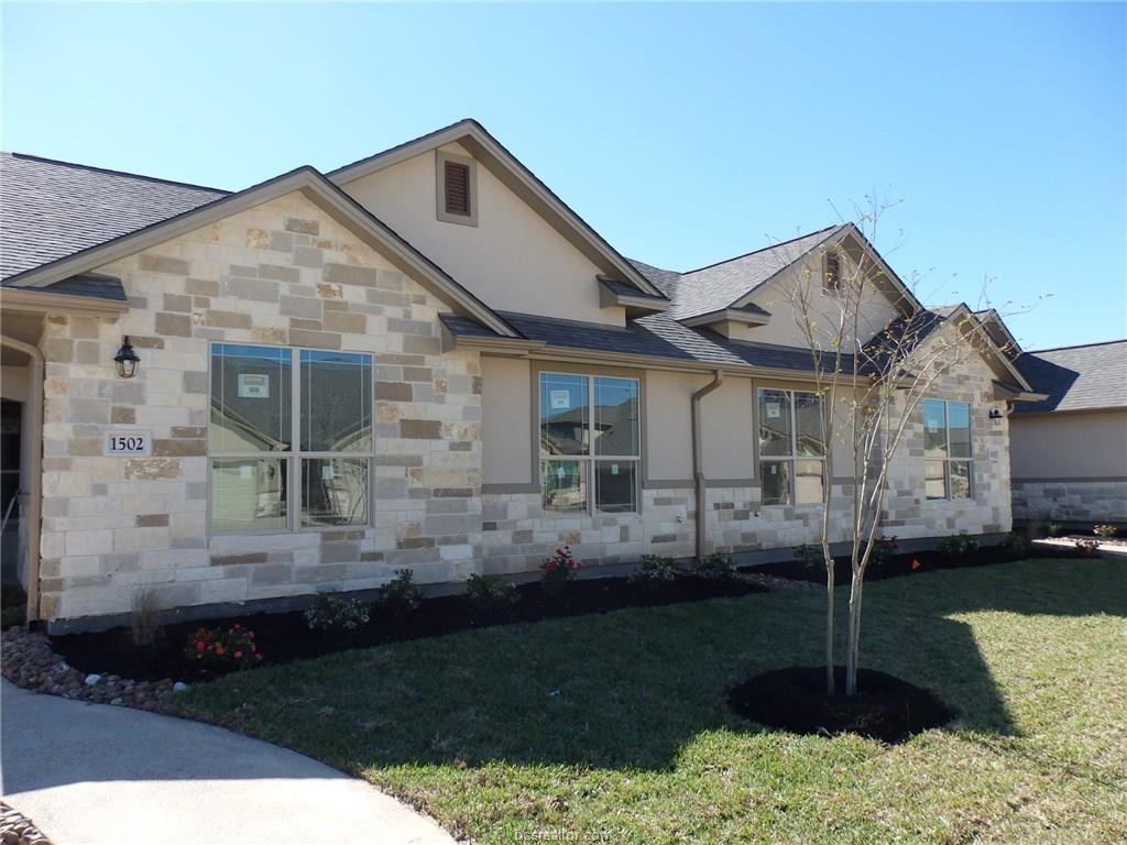 1502 Buena Vista, College Station, TX 77845