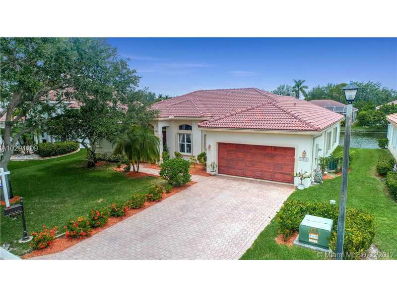 10254 NW 54th Pl, Coral Springs, FL 33076