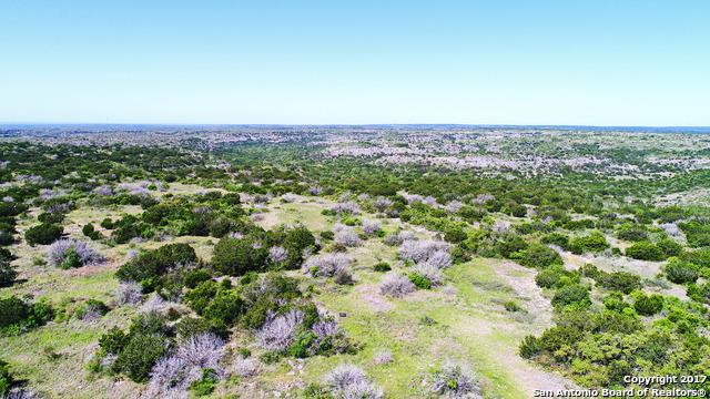 000 Leona Ranch Rd, Brackettville, TX 78832
