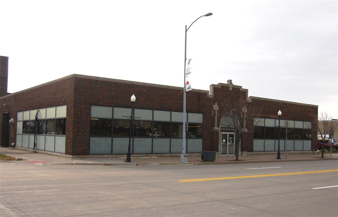601 W 2ND, Davenport, IA 52801
