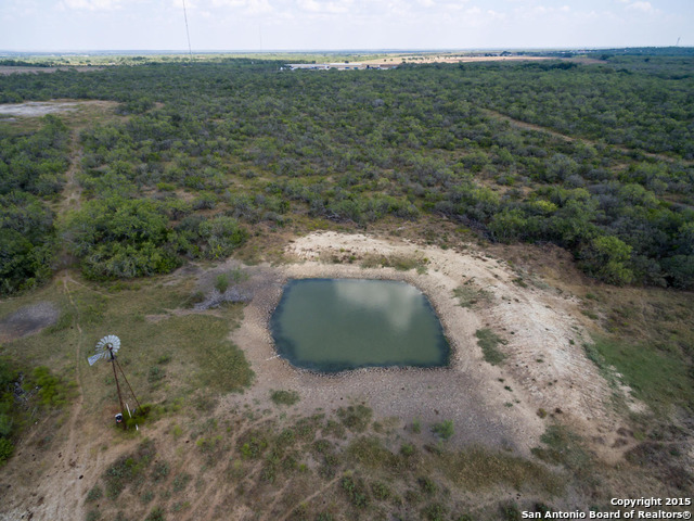 551+- ACRES -- IH 37, US 281 and LEAL Road (Multiple Tracts), Pleasanton, TX 78064