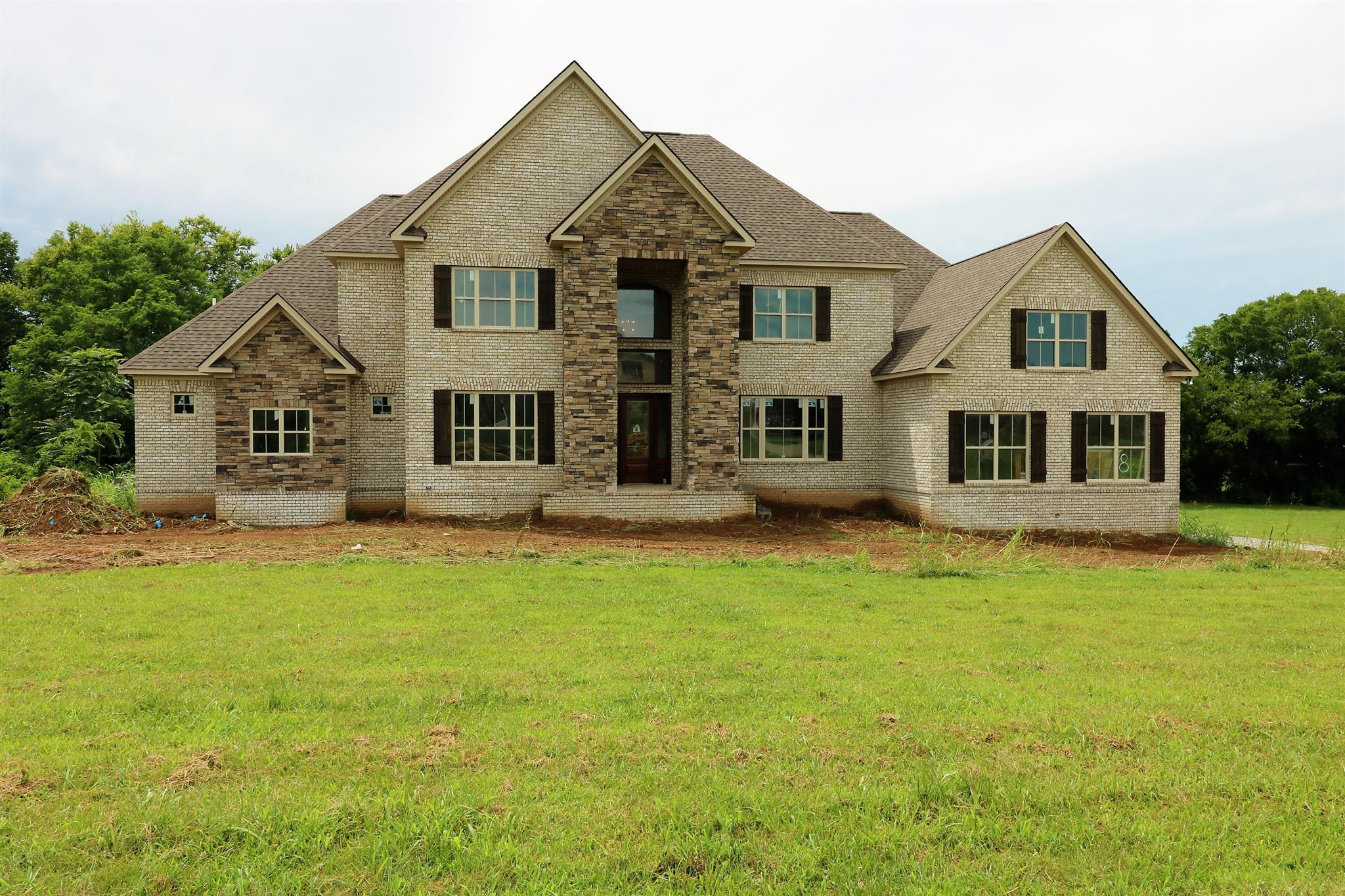 2115 Berry Patch Rd, Thompsons Station, TN 37179