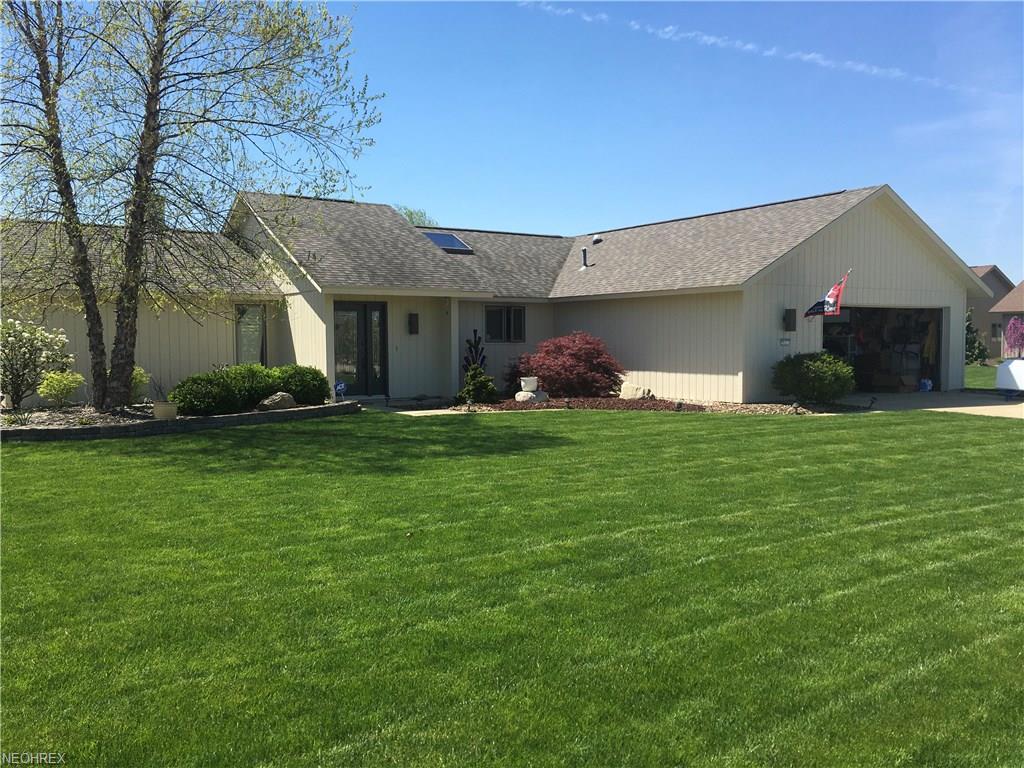 9032 Gatestone Rd, North Ridgeville, OH 44039