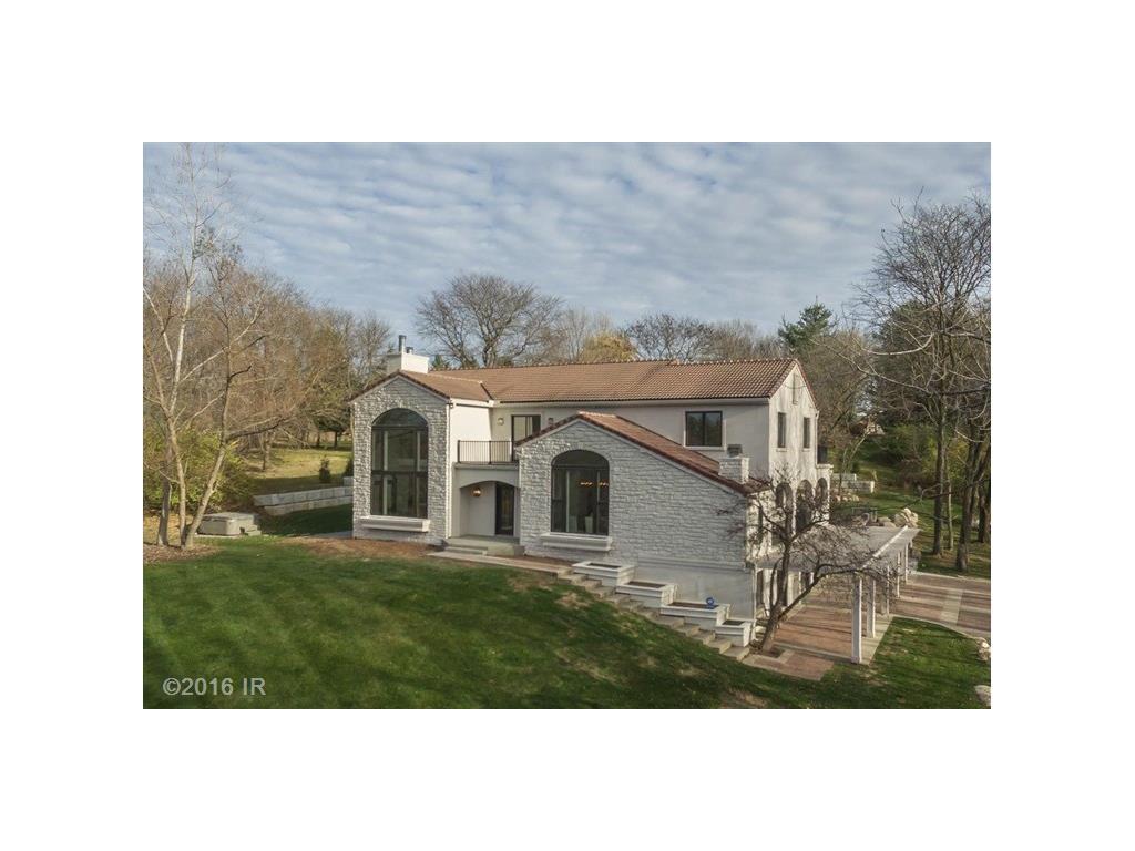 36650 Meadowbrook Circle, West Des Moines, IA 50061
