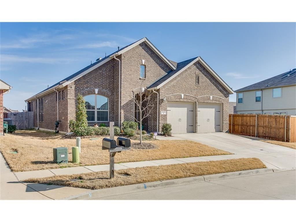929 Green Coral Drive, Little Elm, TX 75068