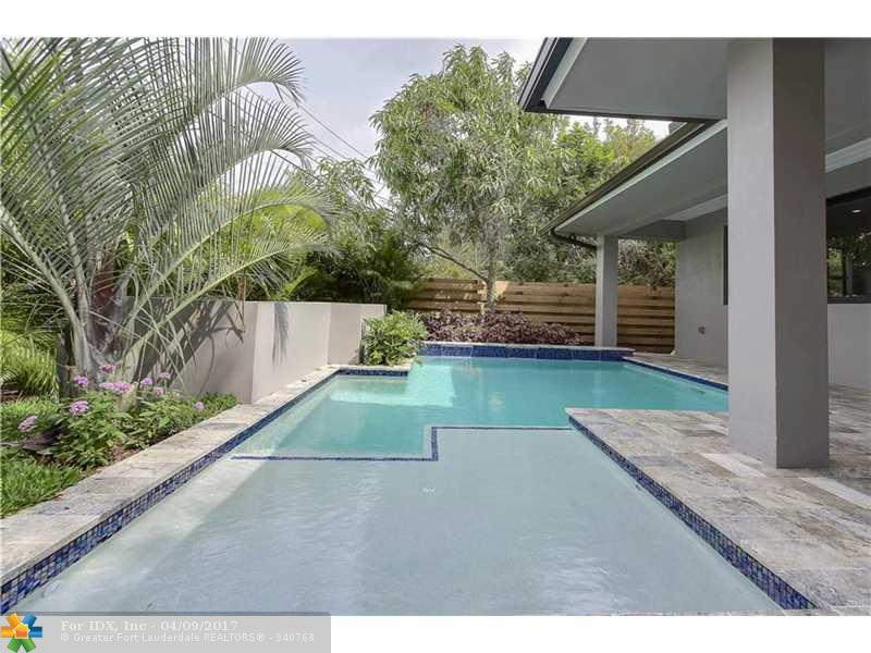 449 NE 17th Way, Fort Lauderdale, FL 33301