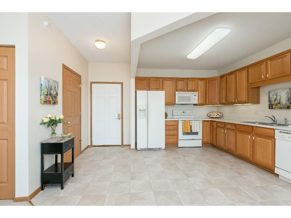 8341 Lyndale Avenue S 210, Bloomington, MN 55420