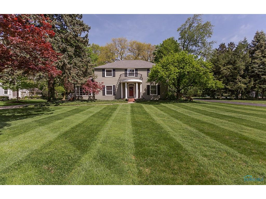129 Eagle Point Drive, Rossford, OH 43460