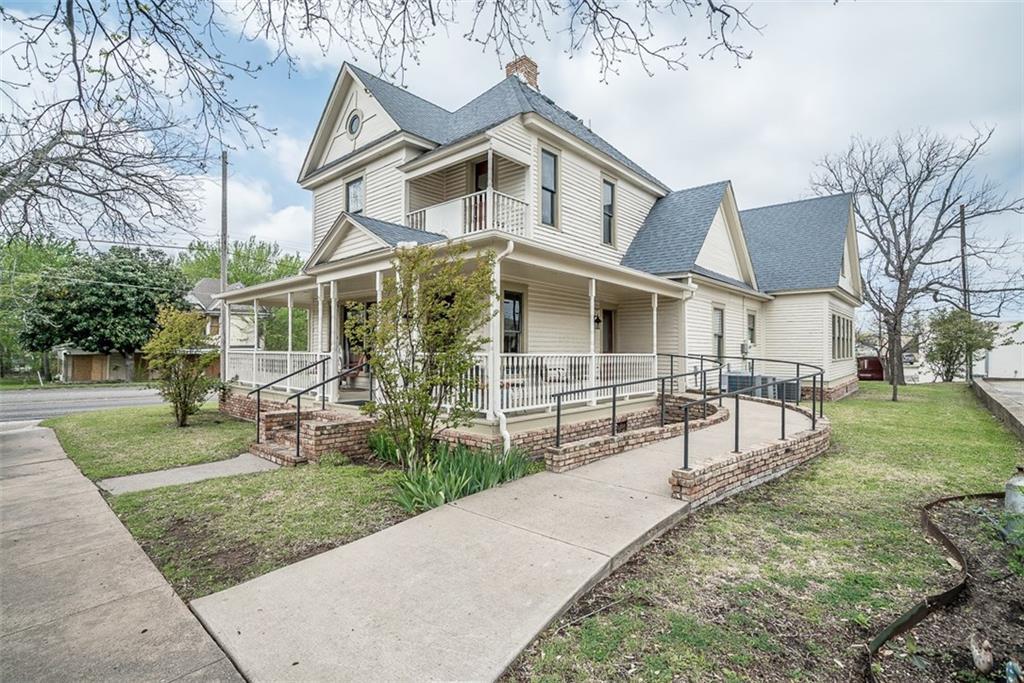 101 E MARSHALL, Van Alstyne, TX 75469