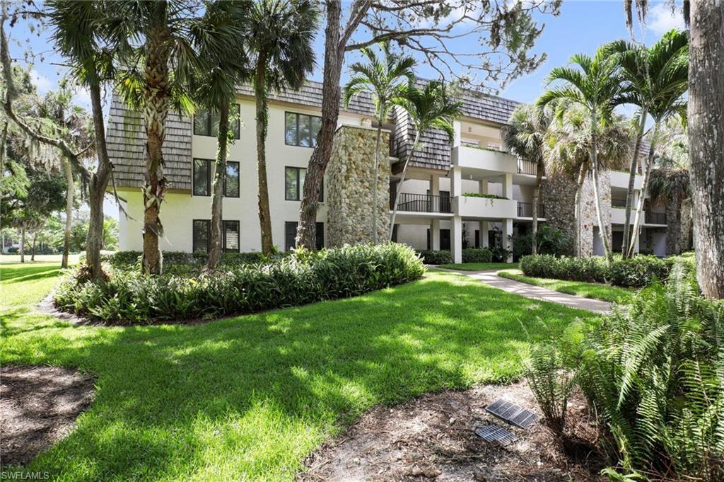 105 Clubhouse LN 187, NAPLES, FL 34105