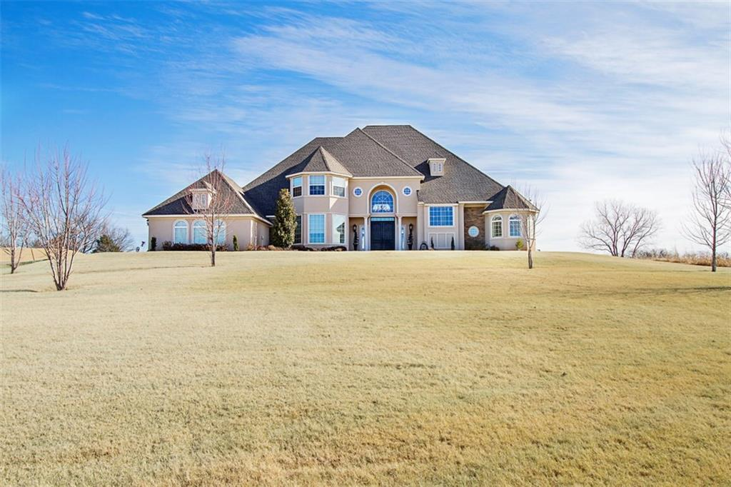 2302 Clubhouse Drive, Blanchard, OK 73010