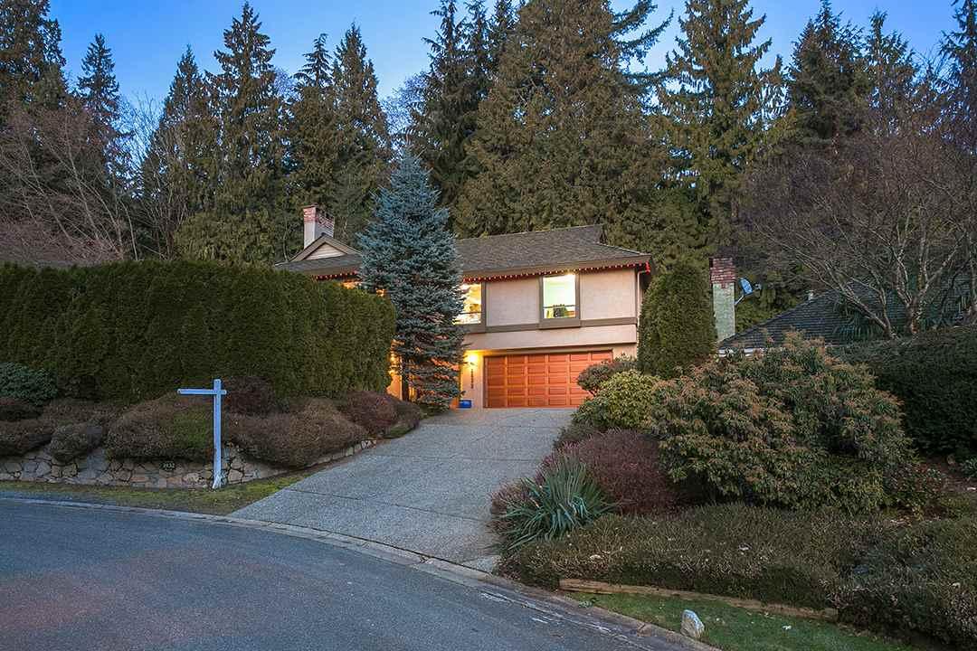 3932 SHARON PLACE, West Vancouver, BC V7V 2N5