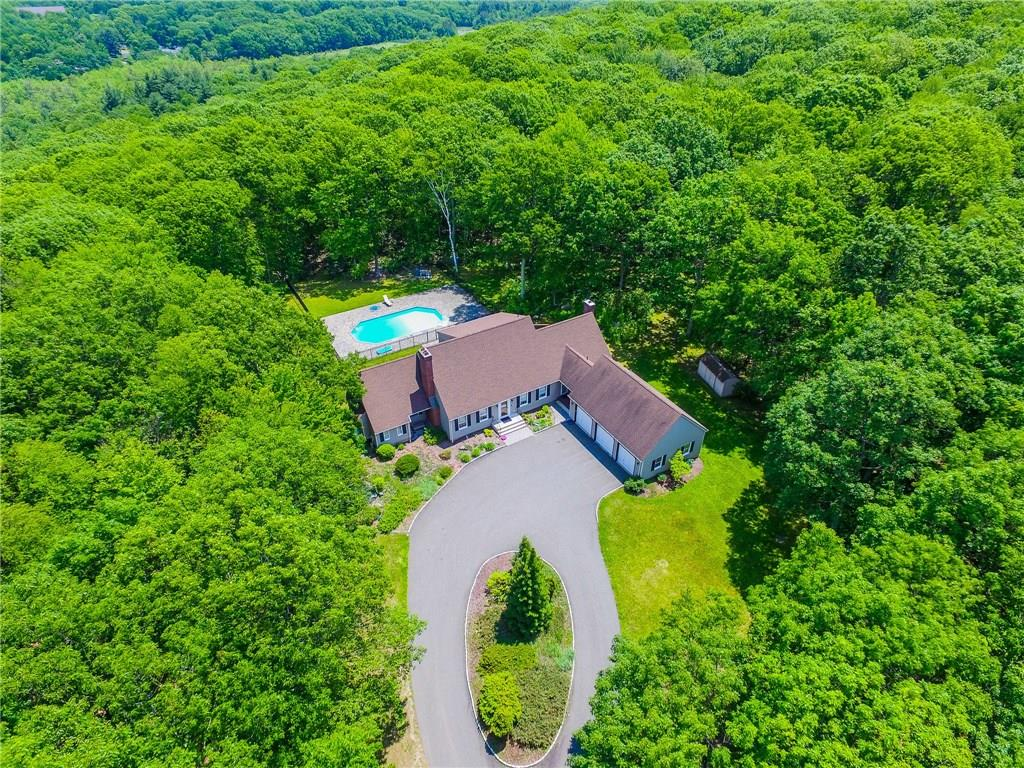76 Fairhaven Drive, Middlebury, CT 06762