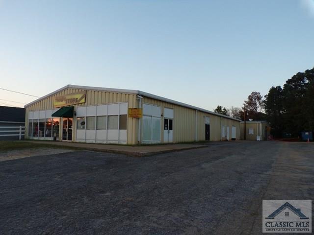 141 W May St, Winder, GA 30680