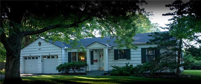 204 E Oak Street, Olathe, KS 66061