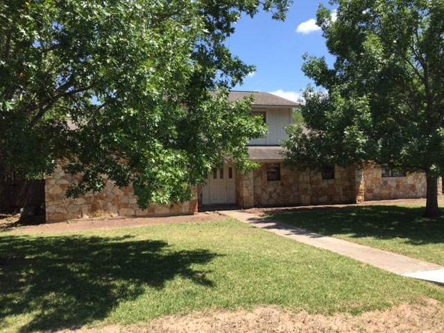 2803 Great Oaks Dr, Round Rock, TX 78681