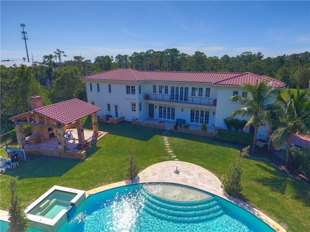 108 SE Cortile Pinero, Port Saint Lucie, FL 34952