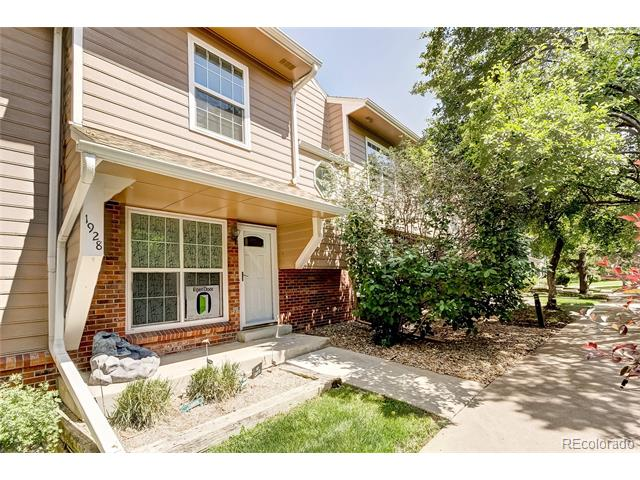 1928 S Balsam Street, Lakewood, CO 80227