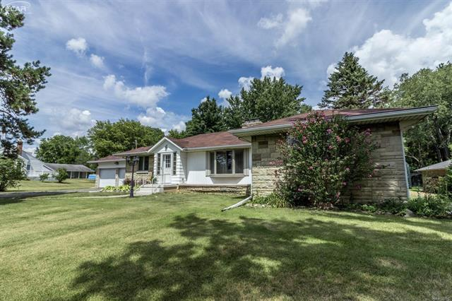 701 Silver Lake Road, Linden, MI 48451