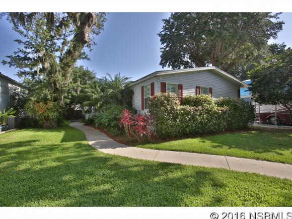 216 INDIAN CREEK RD, Oak Hill, FL 32759