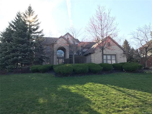 3990 KAELEAF RD, Orion Twp, MI 48360