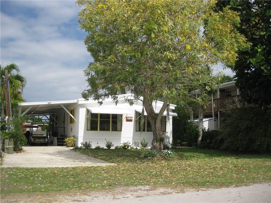 623 Palm DR, GOODLAND, FL 34140