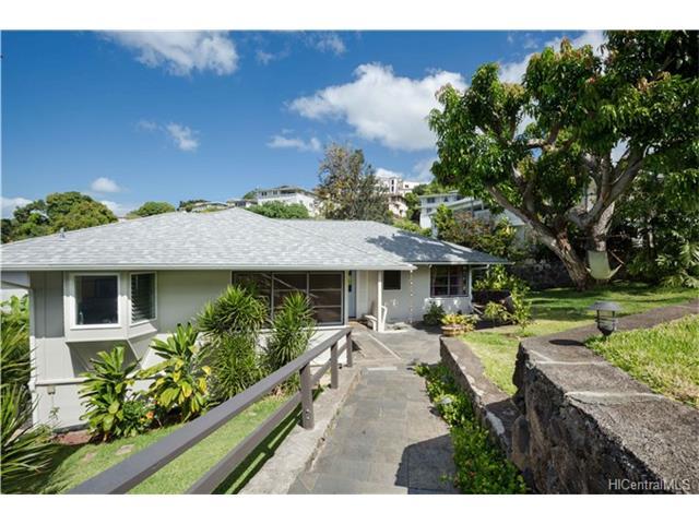 1882 Mott Smith Drive, Honolulu, HI 96822