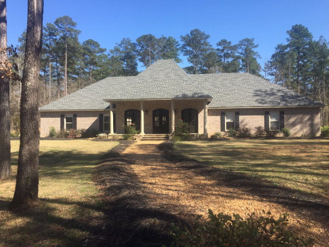 1021 Singleton Drive, Summit, MS 39666