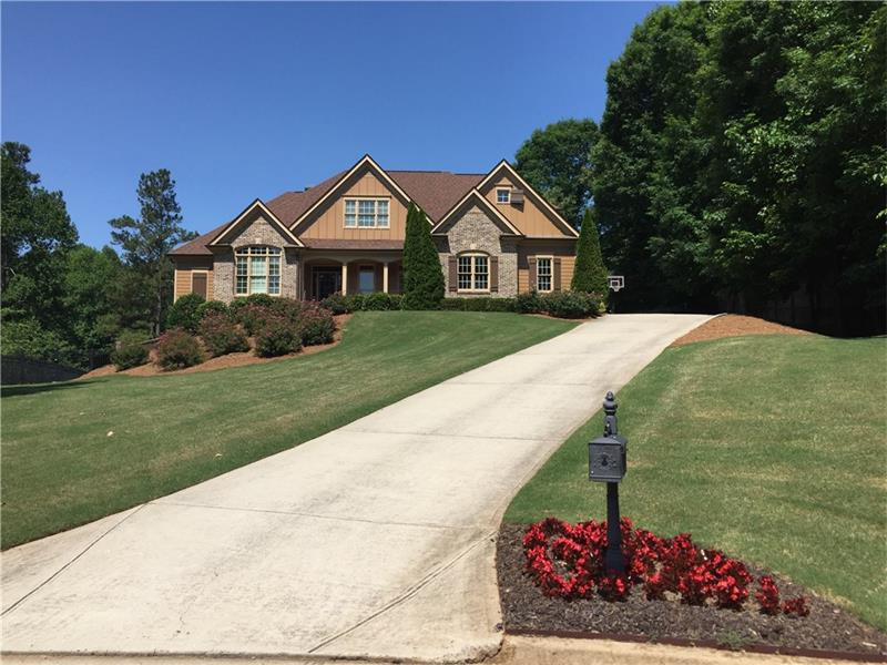 4556 Thornbury Close Way, Flowery Branch, GA 30542