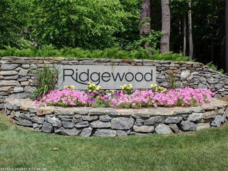 33 Applewood LN T2, Falmouth, ME 04105