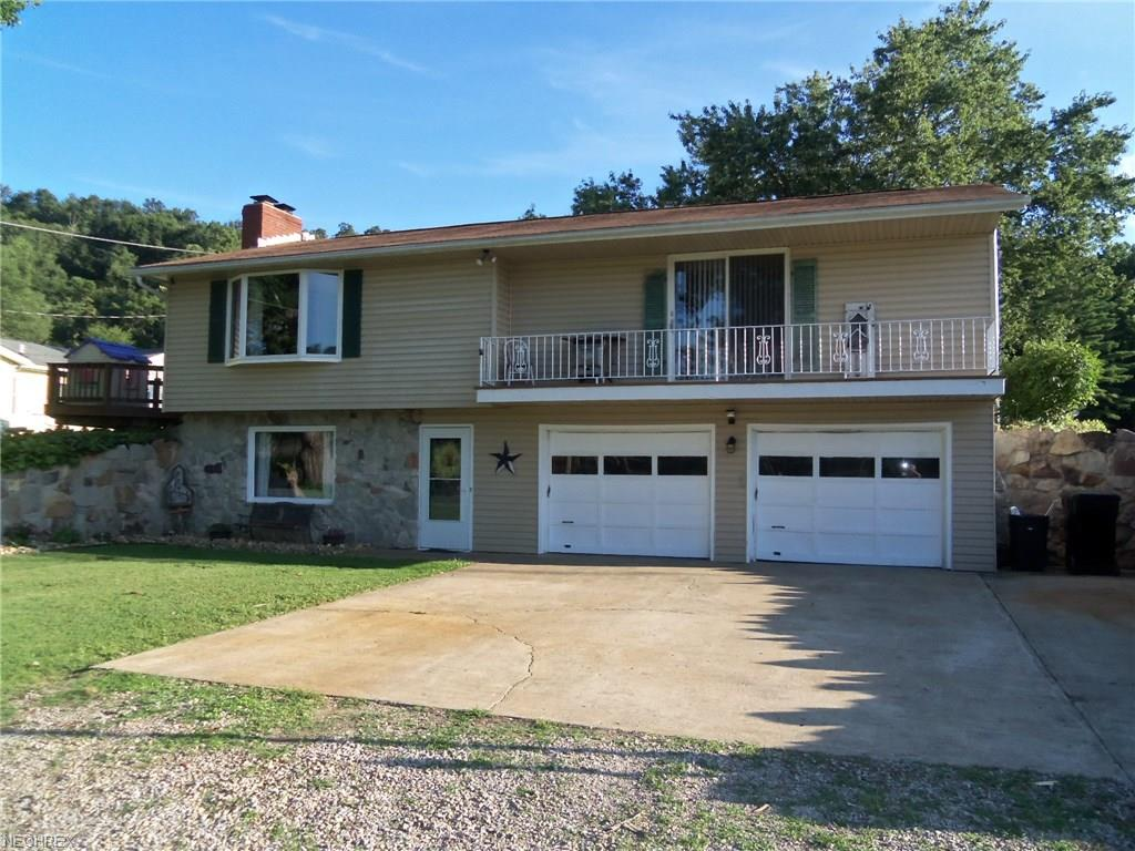 4145 Old River Rd, Philo, OH 43771